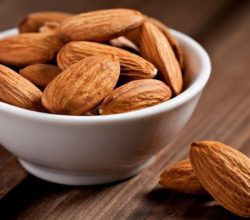 Миндальный орех для мужчин: полезные свойства и противопоказания